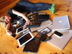 800px-Cuddling_with_multiple_devices